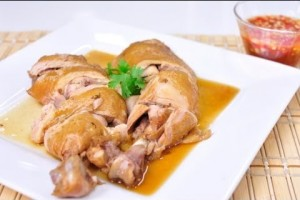 [Thai Food] Steamed Chicken in Fish Sauce Soup (Gai Tom Nam Pla)