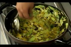 Indian Cabbage & Potatoes Recipe : Cooking Tips for Cabbage & Potatoes