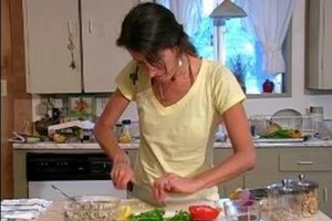 Raw Food Diet: Healthy Lunch Ideas : Adding Garlic to Raw Food Pate